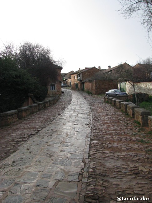 Entrada principal a Castrillo de los Polvazares