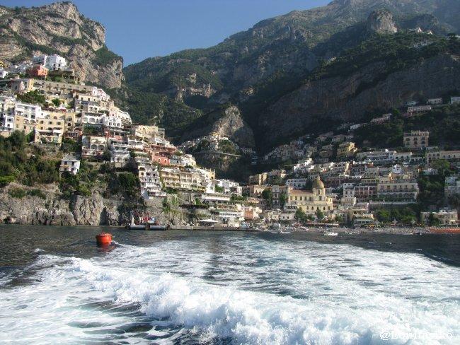 Panorámica de Positano desde el barco dirección a Capri