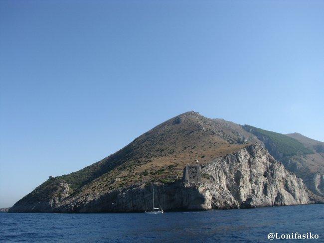 Punta Campanella, vigía y vértice de la península sorrentina