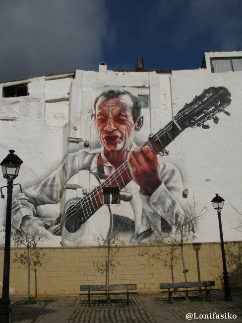 Mural en fachada de Tudela