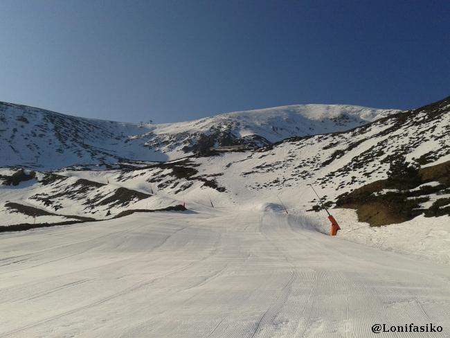 Esquiar por pistas azules en Valdezcaray