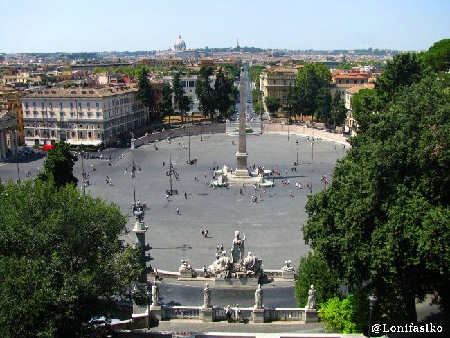 Piazza del Popolo y skyline de Roma