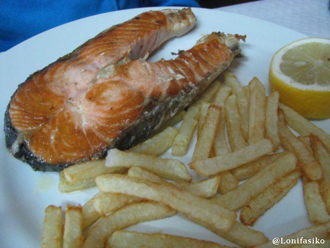 Salmón a la plancha en Restaurante Santuario del Moncayo