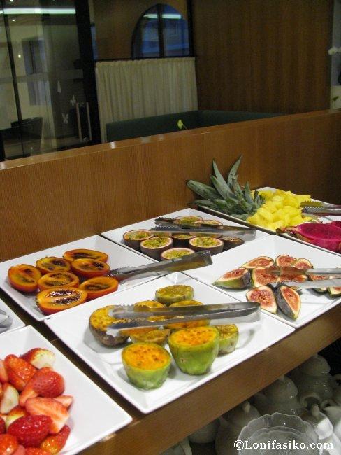 Frutas variadas en el desayuno del Hotel Maximilian en Innsbruck