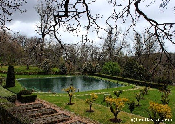 Jardín y estanque del Monasterio de Yuste