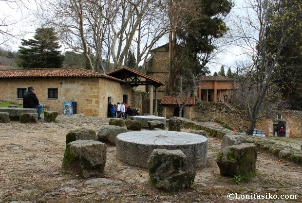Explanada y zona exterior del Monasterio de Yuste