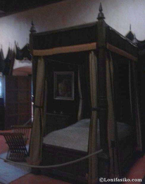 Dormitorio y lecho de muerte de Carlos V en el Monasterio de Yuste