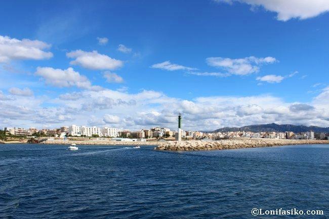 Saliendo del puerto de l'Atmella de Mar