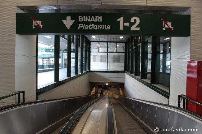 Rampas mecánicas de acceso a los andenes del Malpensa Express