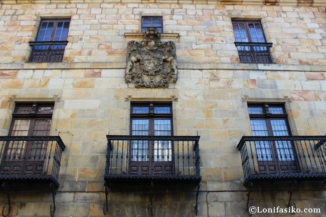 Fachada del palacio barroco de Zearsolo, también conocido como Casajara, del siglo XVII