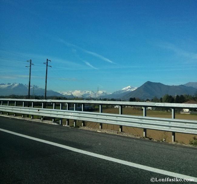 Los Alpes vistos desde cerca del aeropuerto de Turín, denominado Torino Caselle