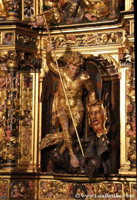 Imagen de San Miguel con lanza y diablo