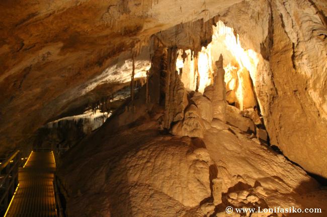 Cuevas de Arrikrutz en Oñati: Formaciones curiosas en Oñatiko kobak