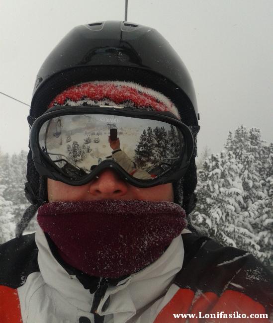 Frío y nieve en la estación de esquí de Patscherkofel