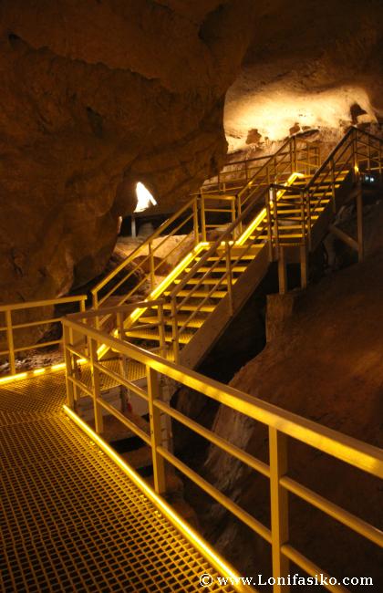 Visitas guiadas Cuevas de Arrikrutz en Oñati