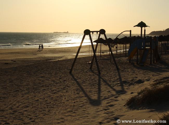 Sol, playa, agua y columpios, ingredientes básicos del #slowfamilytravel