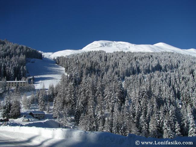 Vistas desde la explanada y cota baja de la estación esquí de Axamer Lizum