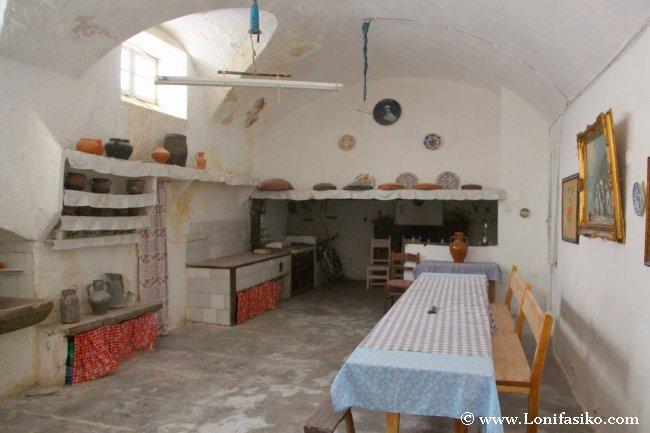 Cocina del personal que vivía habitualmente en la Finca Es Galatzó