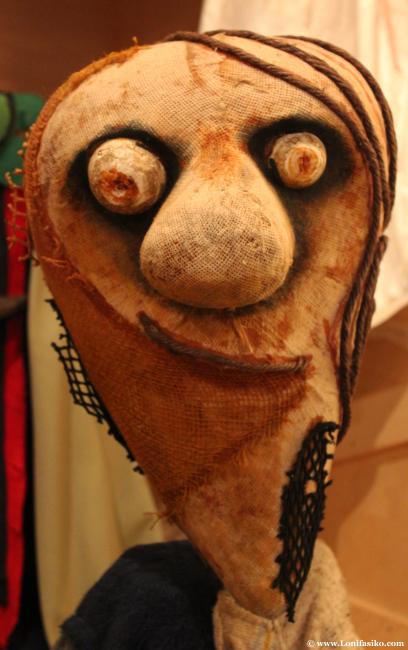 Marioneta típica de película de terror en el centro Topic de Tolosa
