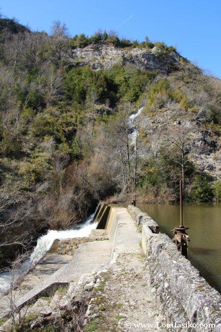 Base de la presa de Aranbaltza