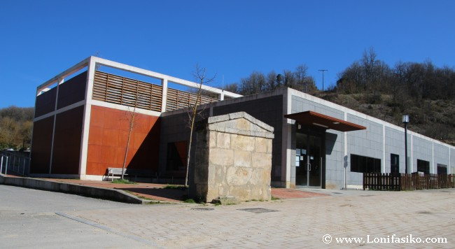 Parketxe y centro de interpretación del parque natural de Izki, en Korres