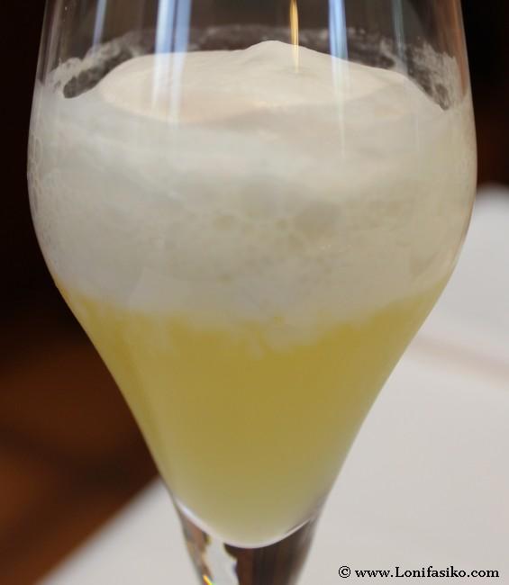 Cocktail de bienvenida con sabor a piña