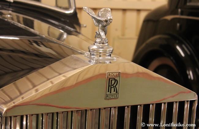 El clásico emblema de marca de Rolls-Royce
