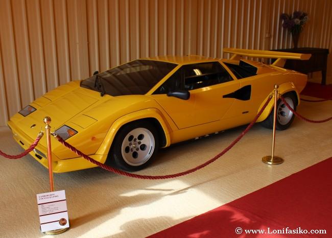 Lamborghini Countach, también hay coches deportivos en la colección