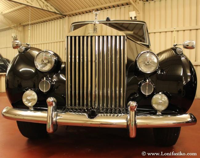 Las parrillas delanteras de los Rolls-Royce llaman mucho la atención