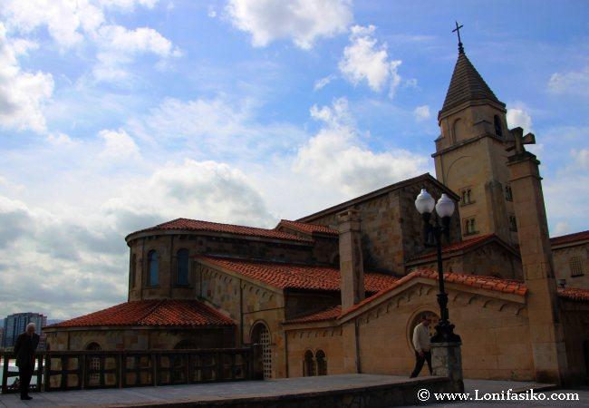 Iglesia y Parroquia Mayor de San Pedro Apóstol