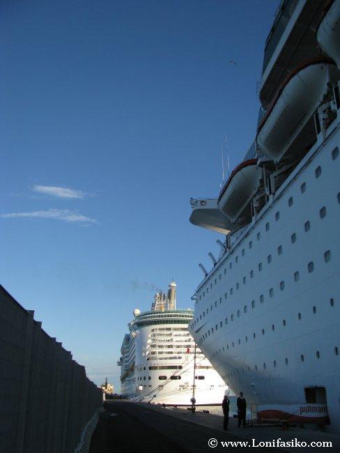 Cruceros Puerto de Barcelona