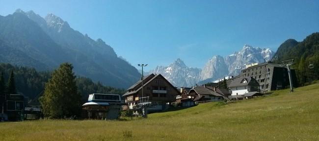 Laderas herbosas cubren en verano las pistas de esquí de Kranjska Gora