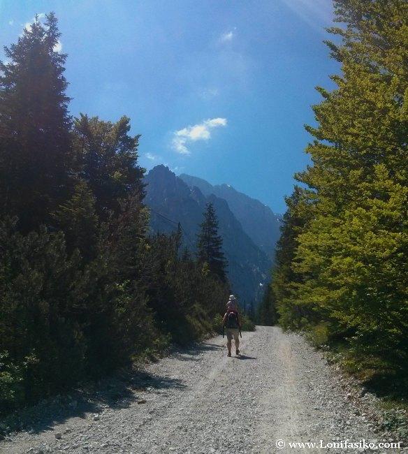 Senderismo en familia en los Alpes Julianos