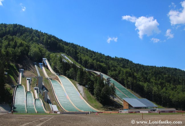 Trampolines para saltos de esquí en Planica, cerca de Kranjska Gora