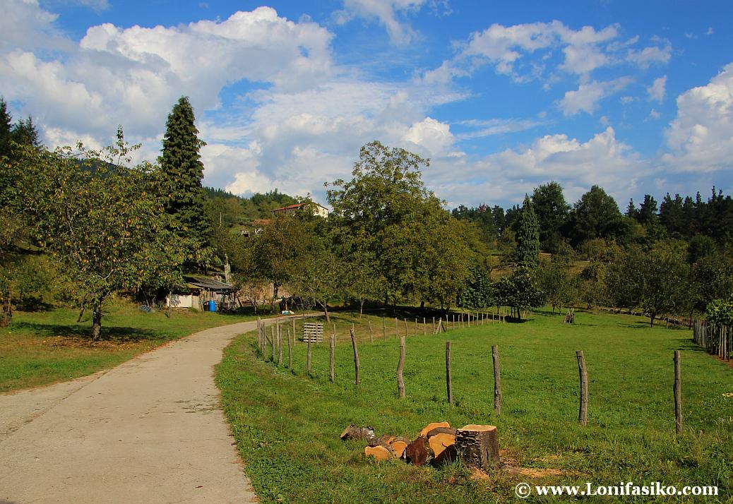 Paseo por la vía verde Mutiloa-Ormaiztegi, rememorando el pasado minero del Goierri