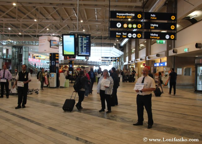 Zona de llegadas y terminal principal del aeropuerto de Landvetter