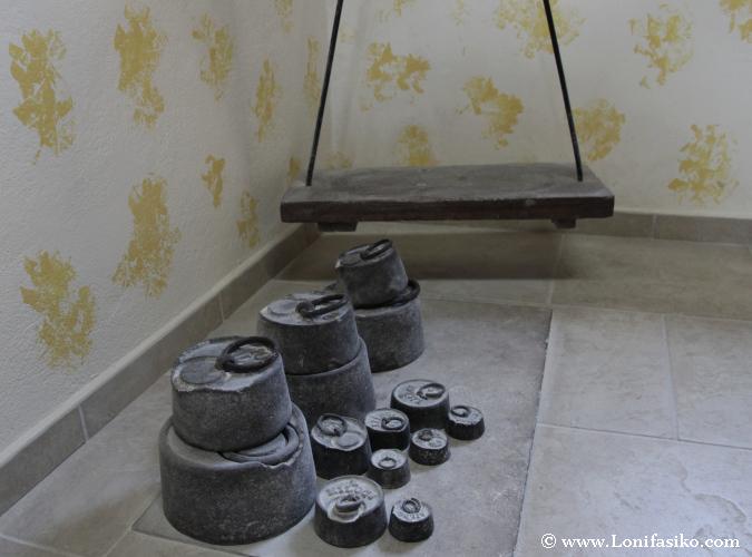 Sistema de pesaje antiguo en el molino de Errotabarri