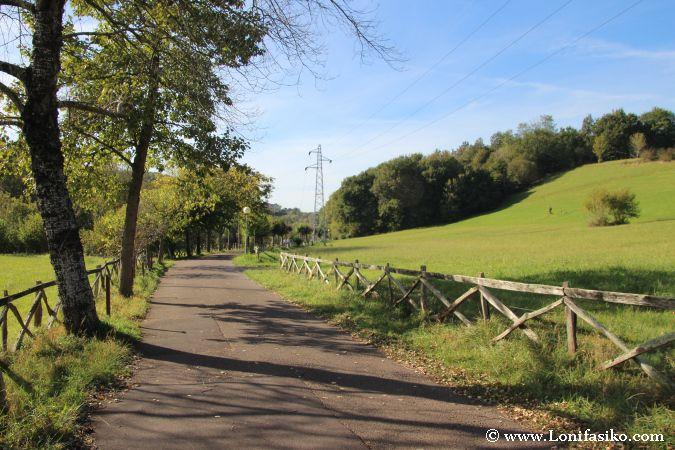 Agradable paseo por la vía verde de Arditurri