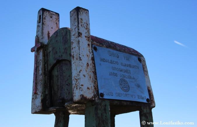 Buzón en la cima del monte Urko
