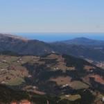 El verde valle de Markina y el Mar Cantábrico