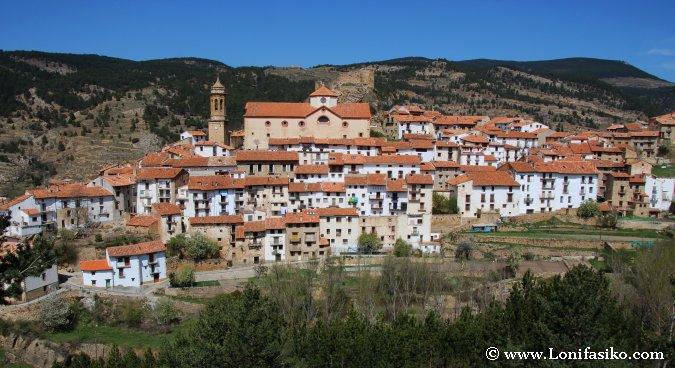 Linares de Mora, un pequeño gran pueblo de la montaña turolense