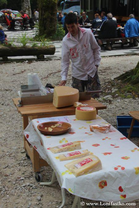 Venta de queso de la zona