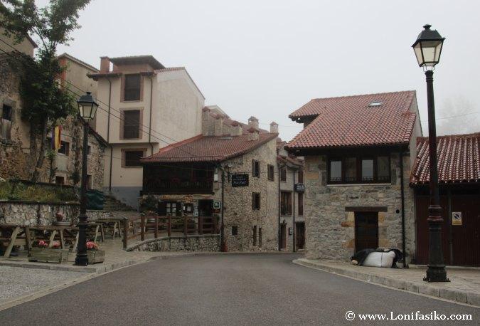 Centro del pueblo de Sotres en Picos de Europa