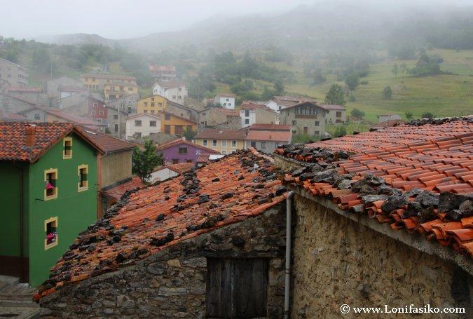 Sotres: Magia asturiana bajo la niebla y el orbayu