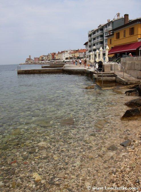 Pequeña cala en Piran