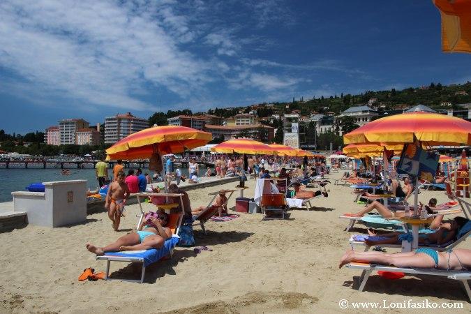 Playa artificial en Portoroz