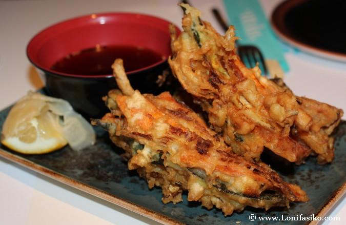 Kakiage: verduras y calamares en tempura