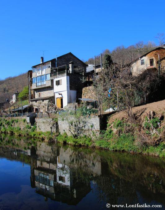 El río que pasa por Rio de Onor