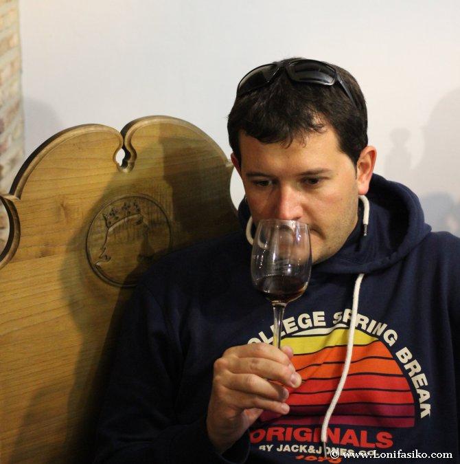 Cómo oler el vino en una cata de vino