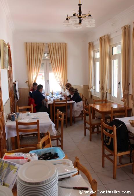 Comer en el restaurante A Cascada de Ézaro